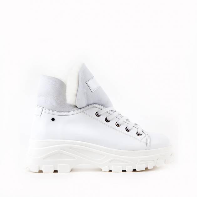 Ботинки из кожи белоснежного цвета на комфортной подошве
