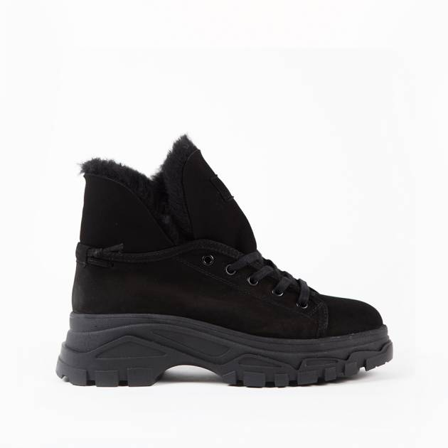 Ботинки из замши чёрного цвета на меху