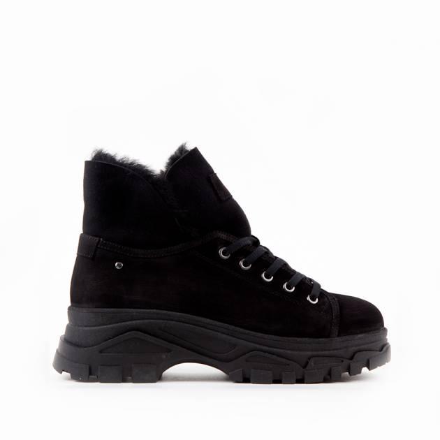 Ботинки из нубука чёрного цвета на комфортной подошве