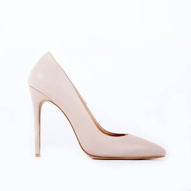 Классические туфли лодочки из натуральной кожи нюдового цвета