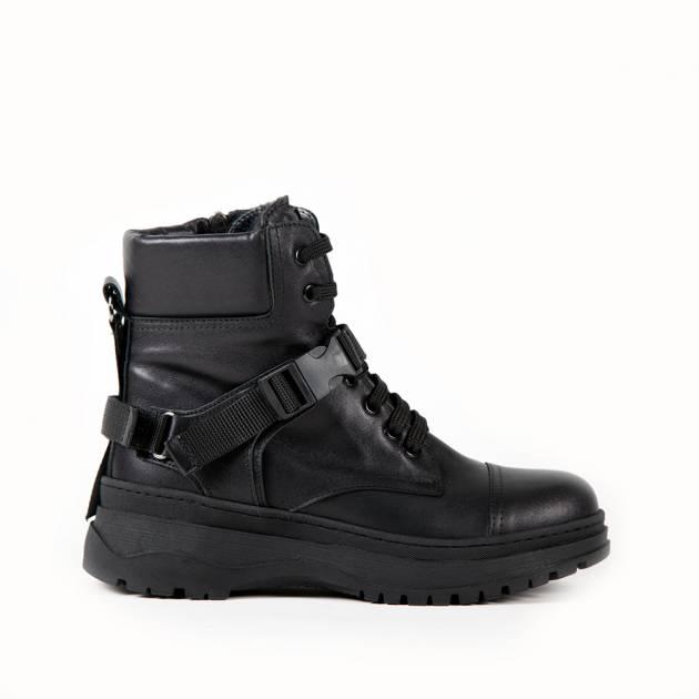 Ботинки из кожи черного цвета на шнуровке