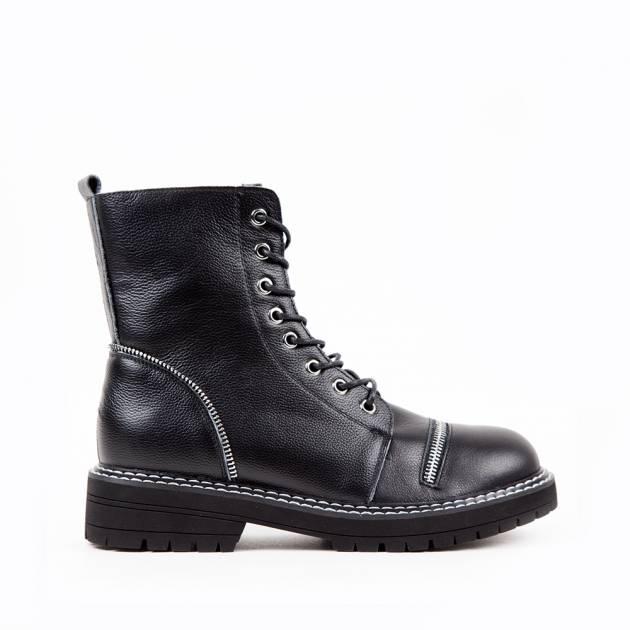 Ботинки из кожи чёрного цвета с контрастной строчкой на шнуровке