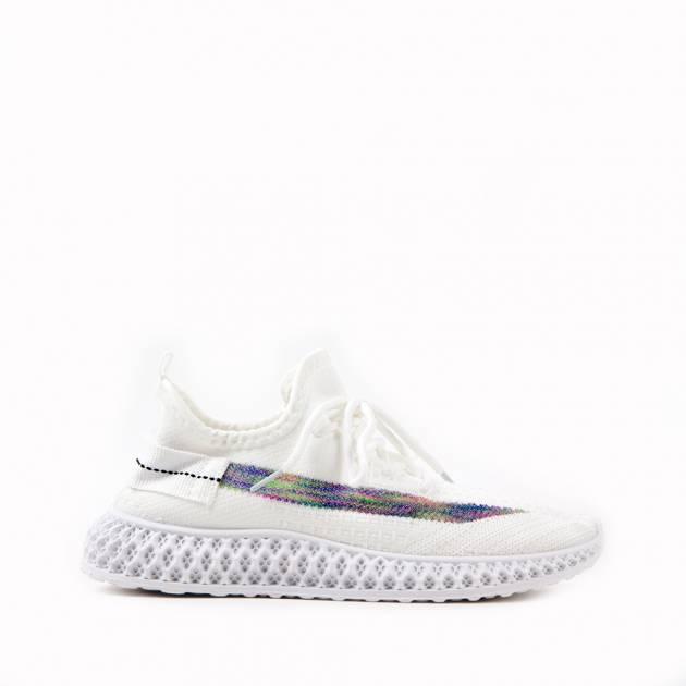 Легкие кроссовки белого цвета из текстиля