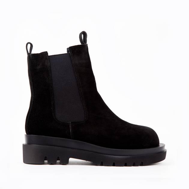 Ботинки из замши чёрного цвета с боковыми резинками