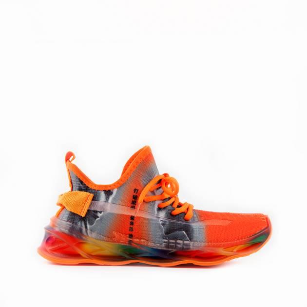 Мягкие кроссовки из текстиля авангардной расцветки