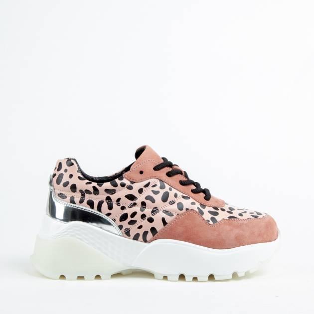 Кроссовки из кожи и замши розового цвета на высокой контрастной подошве