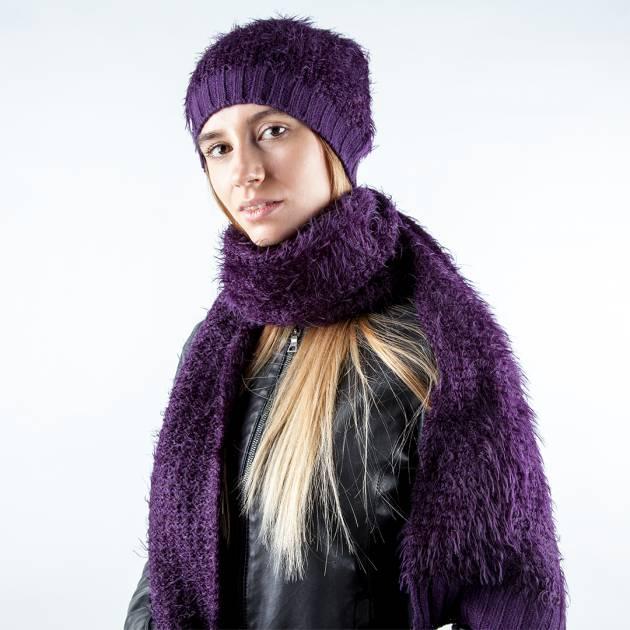 Шерстяной шарф фиолетового цвета с длинным ворсом