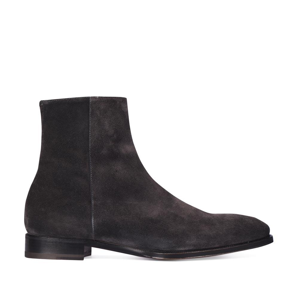 Замшевые ботинки темно-серого цвета из капсульной коллекции MAX VERRE