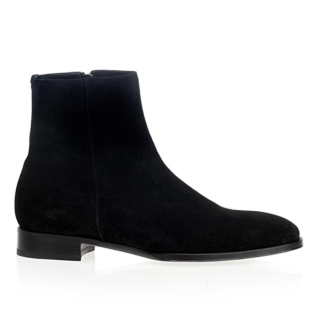 Замшевые ботинки черного цвета из капсульной коллекции MAX VERREБотинки мужские<br><br>Материал верха: Замша<br>Материал подкладки: Кожа<br>Материал подошвы: Полиуретан<br>Цвет: Черный<br>Высота каблука: 2см<br>Дизайн: Италия<br>Страна производства: Италия<br><br>Высота каблука: 2 см<br>Материал верха: Замша<br>Материал подошвы: Полиуретан<br>Материал подкладки: Кожа<br>Цвет: Черный<br>Пол: Мужской<br>Вес кг: 1.10000000<br>Размер обуви: 44**
