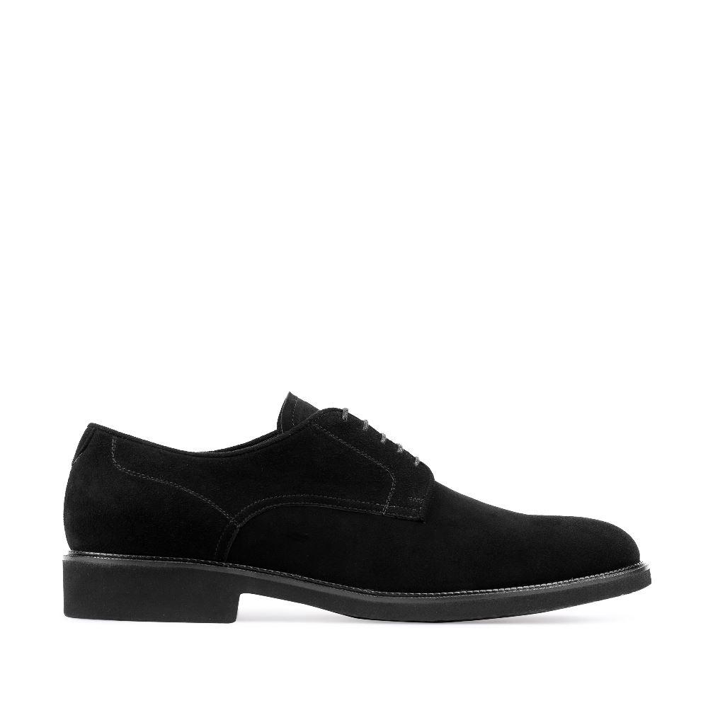 Ботинки из замши черного цвета на шнуровке