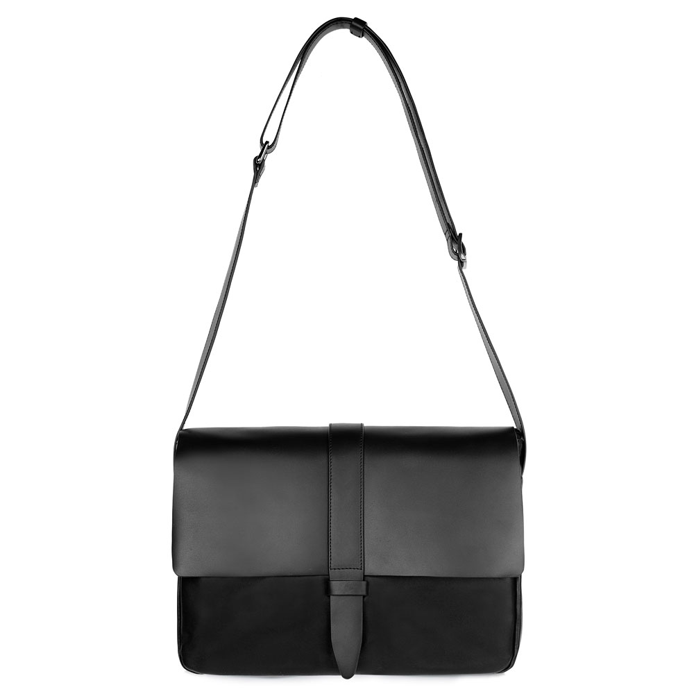 Кожаный портфель черного цвета