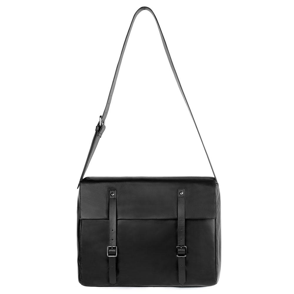 Кожаный портфель черного цвета на длинном ремне