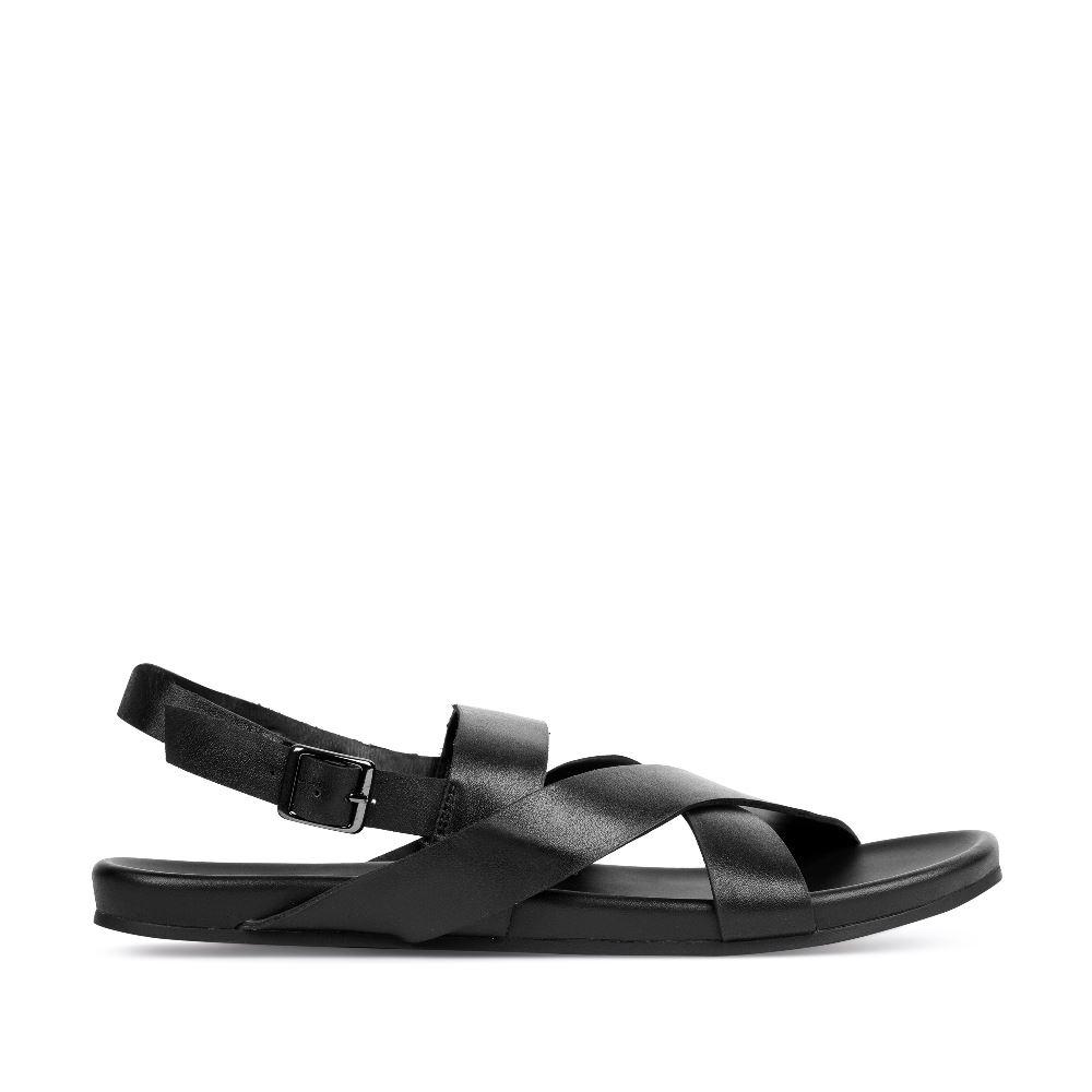 Сандалии мужские из кожи чёрного цветаСандалеты мужские<br><br>Материал верха: Кожа<br>Материал подкладки: Кожа<br>Материал подошвы: Резина<br>Цвет: Черный<br>Высота каблука: 0 см<br>Дизайн: Италия<br>Страна производства: Китай<br><br>Высота каблука: 0 см<br>Материал верха: Кожа<br>Материал подкладки: Кожа<br>Цвет: Черный<br>Вес кг: 1.00000000<br>Размер обуви: 39