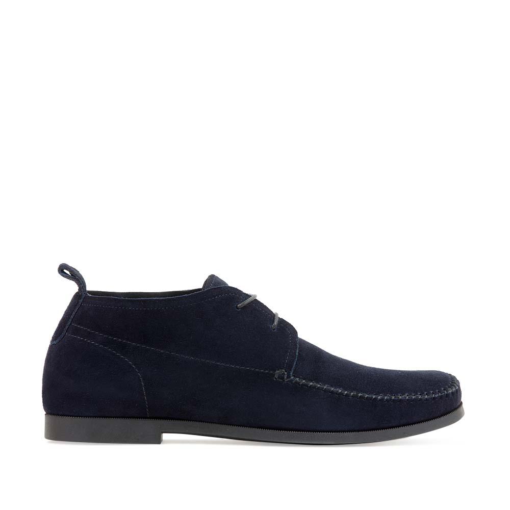 Замшевые полуботинки темно-синего цвета на шнуровке