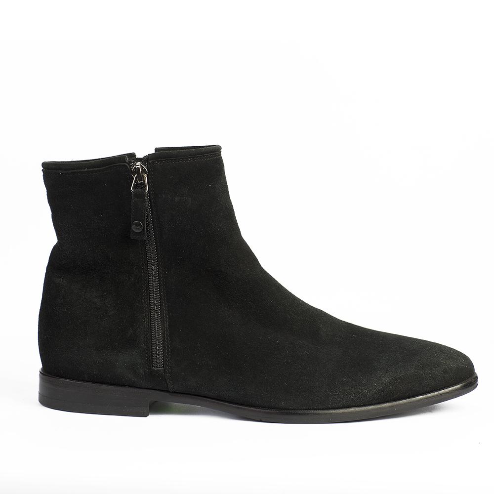 Ботинки черного цвета из замши на молнии