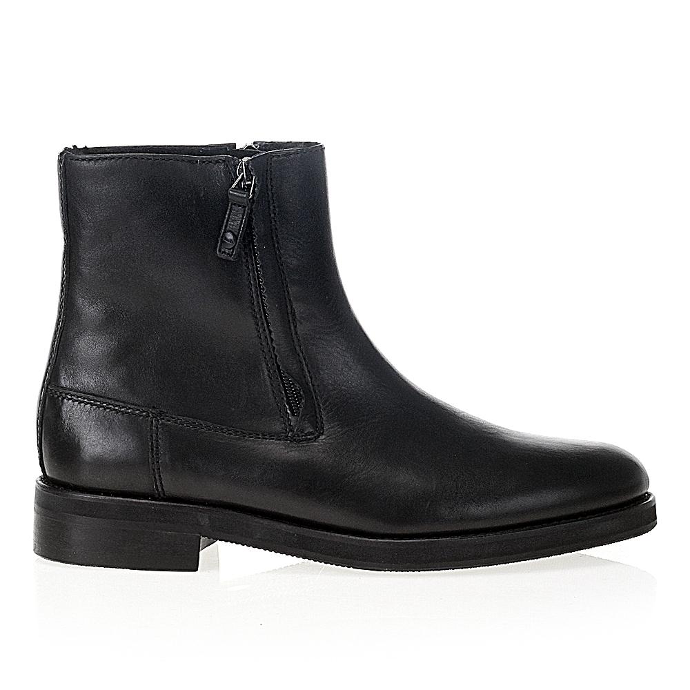 Кожаные ботинки черного цвета с молниями на мехуБотинки мужские<br><br>Материал верха: Кожа<br>Материал подкладки: Мех<br>Материал подошвы: Полиуретан<br>Цвет: Черный<br>Высота каблука: 2 см<br>Дизайн: Италия<br>Страна производства: Китай<br><br>Высота каблука: 2 см<br>Материал верха: Кожа<br>Материал подошвы: Полиуретан<br>Материал подкладки: Мех<br>Цвет: Черный<br>Пол: Мужской<br>Вес кг: 1.14000000<br>Размер: 41