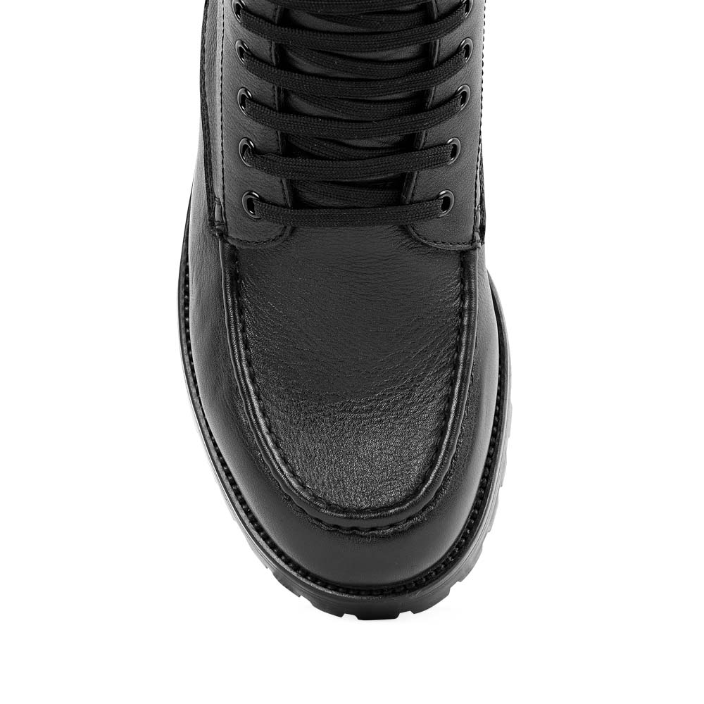Мужские ботинки CorsoComo (Корсо Комо) Ботинки из кожи черного цвета на протекторной подошве