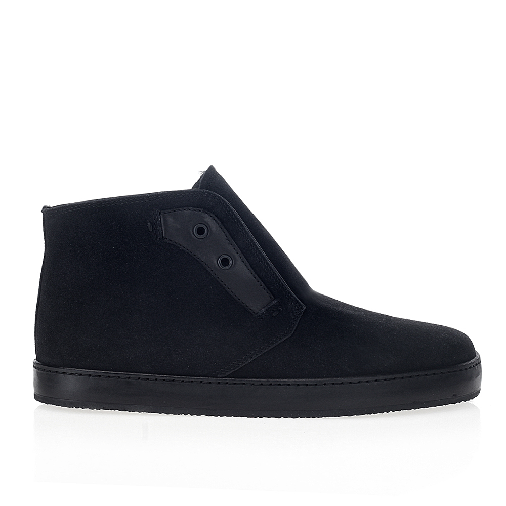 Ботинки из кожи черничного цвета с мехом на широкой подошве