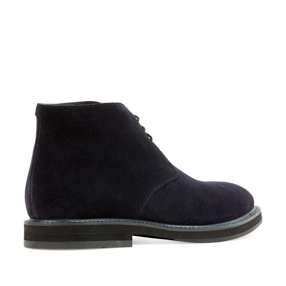Мужские ботинки CorsoComo (Корсо Комо) Дезерты из замши аметистового цвета