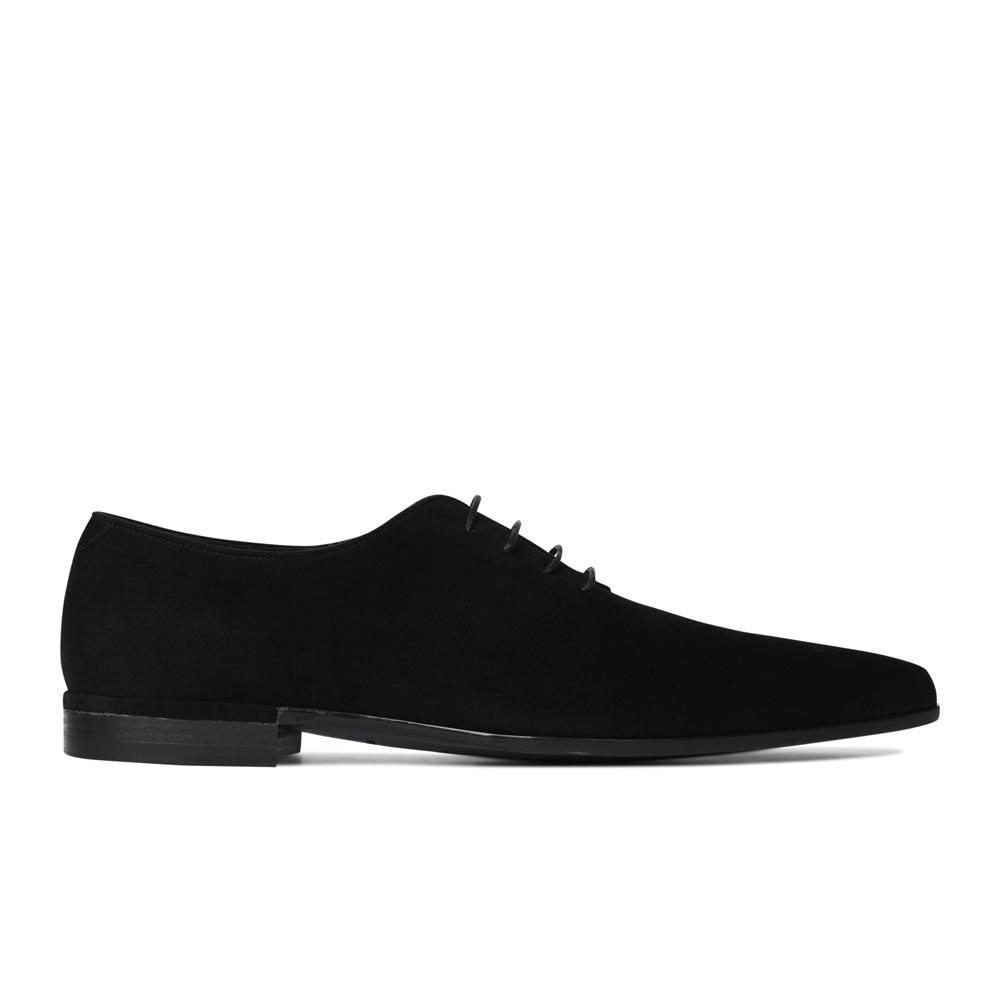 Полуботинки из замши черного цвета со шнуровкой