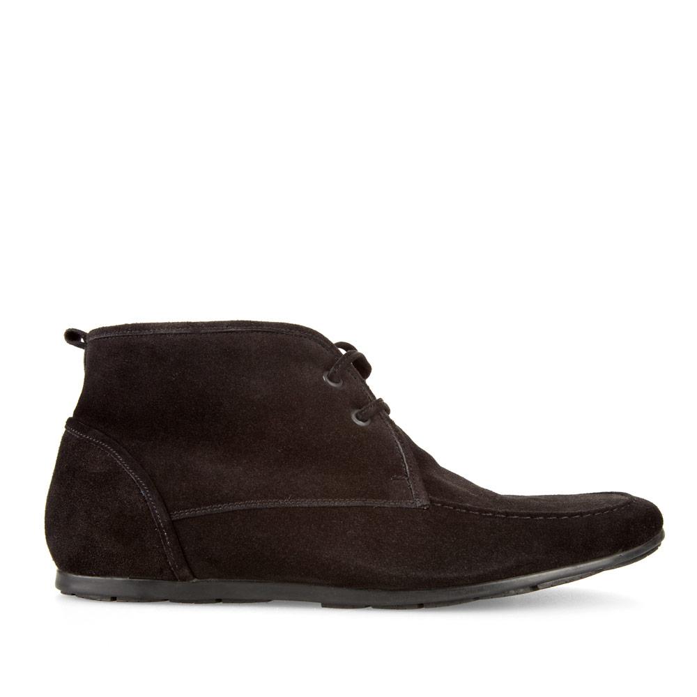 Замшевые ботинки на меху черного цвета со шнуровкой