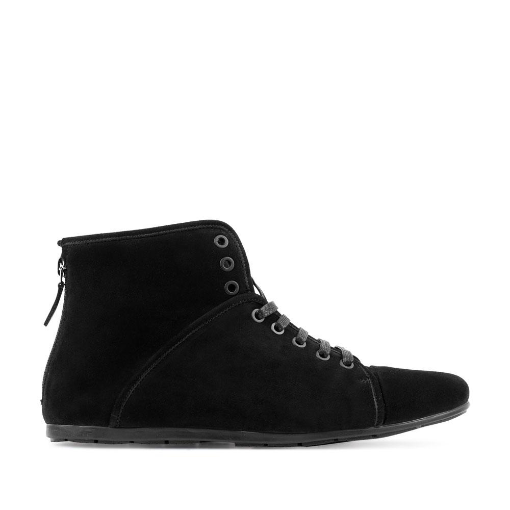 Замшевые ботинки черного цвета спортивного кроя на молнии