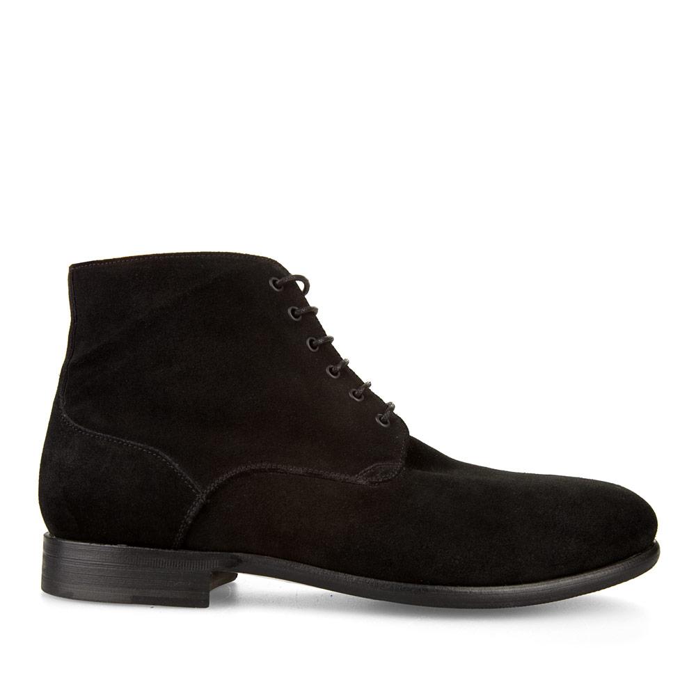 Классические ботинки из замши черного цвета с мехом