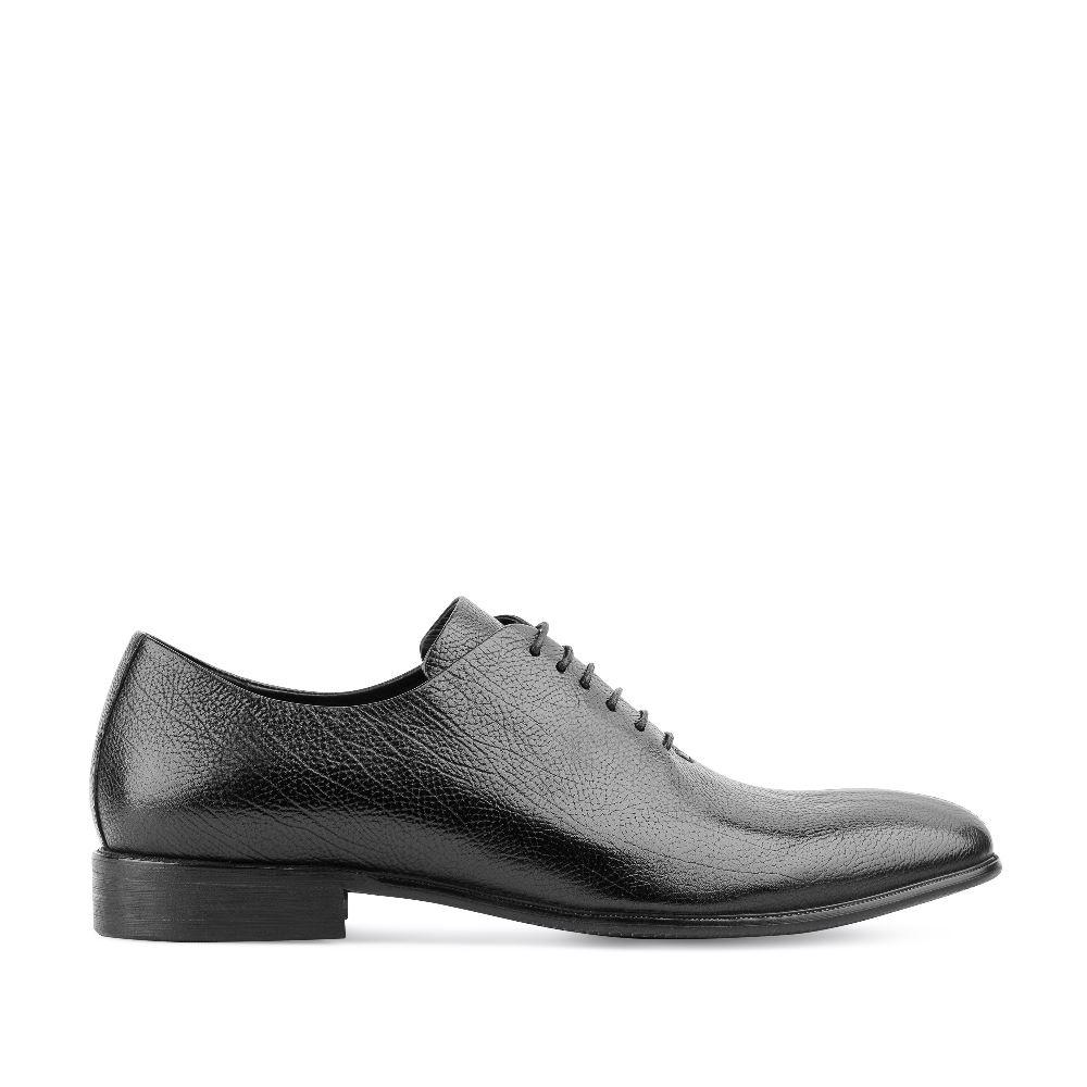 Ботинки из зернистой кожи черного цвета на шнуровке