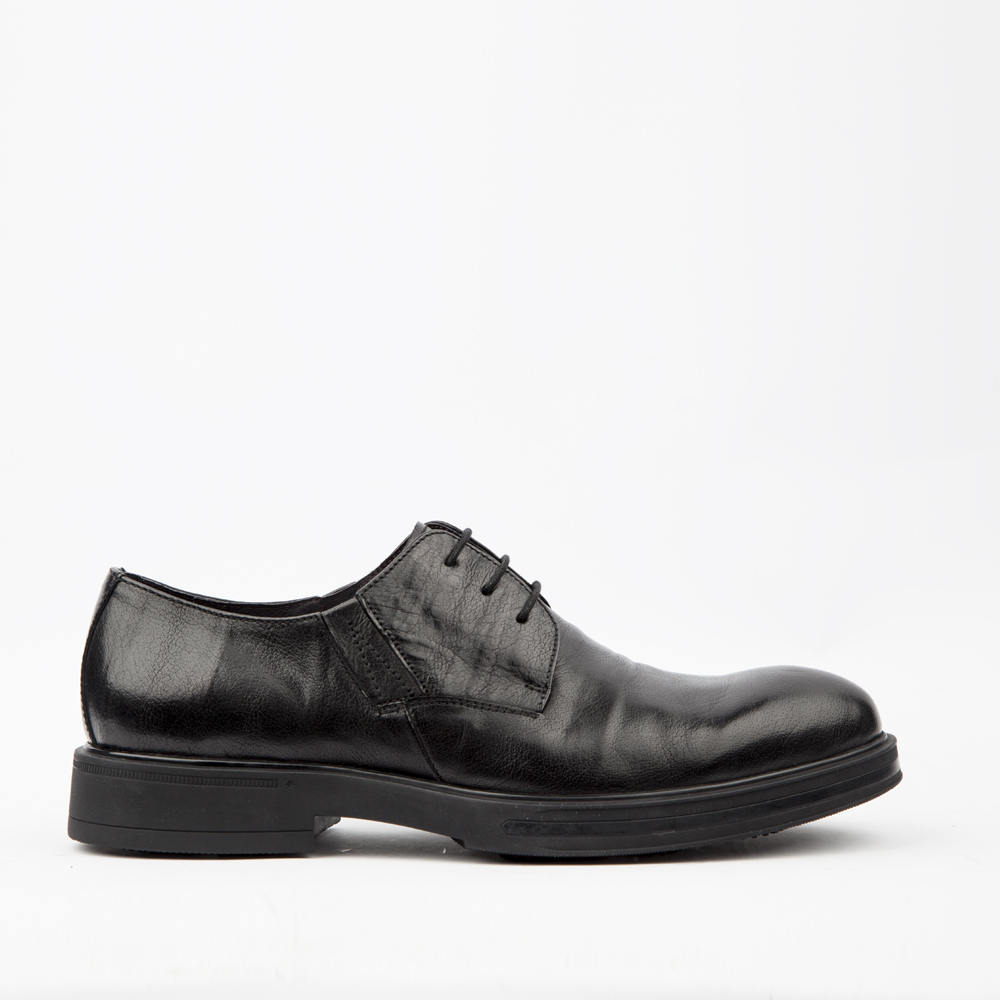 Ботинки черного цвета из кожи