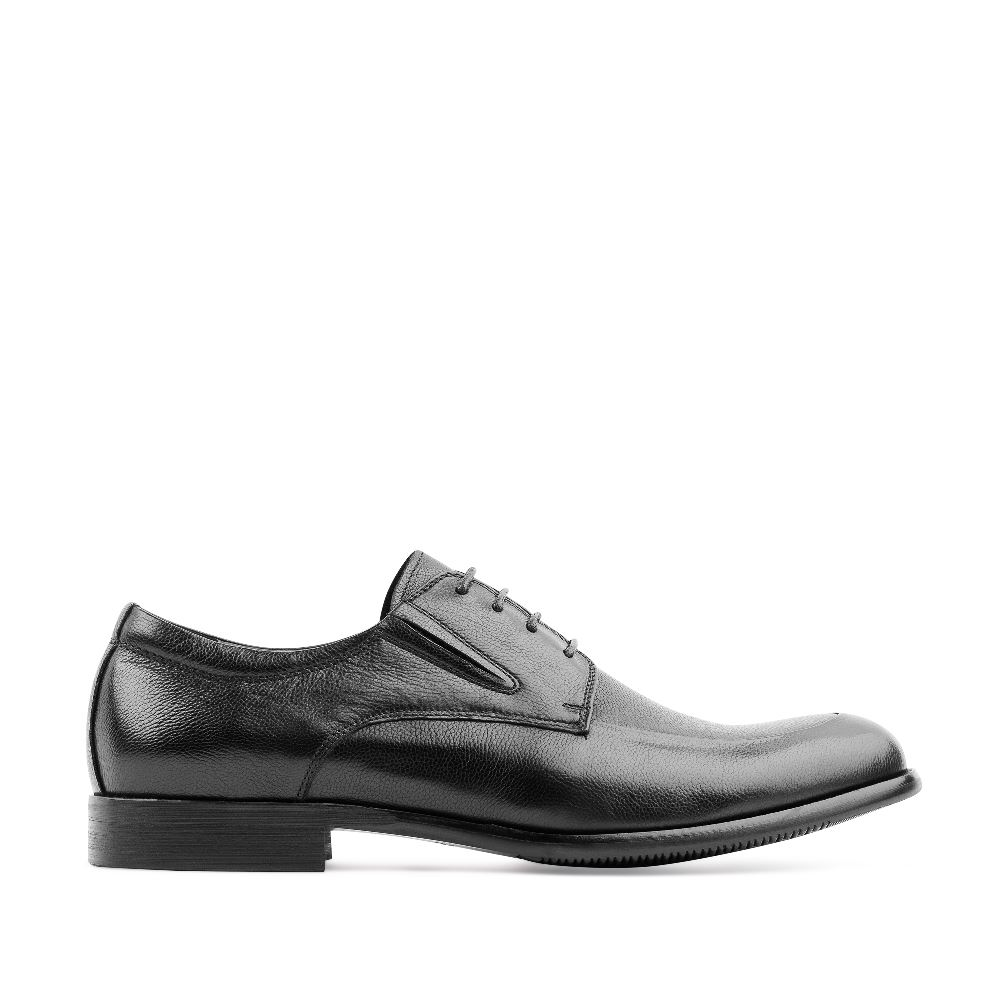 Кожаные ботинки черного цвета на шнуровкеПолуботинки<br><br>Материал верха: Кожа<br>Материал подкладки: Кожа<br>Материал подошвы: Кожа<br>Цвет: Черный<br>Высота каблука: 1 см<br>Дизайн: Италия<br>Страна производства: Россия<br><br>Высота каблука: 1 см<br>Материал верха: Кожа<br>Материал подкладки: Кожа<br>Цвет: Черный<br>Пол: Мужской<br>Размер: 41
