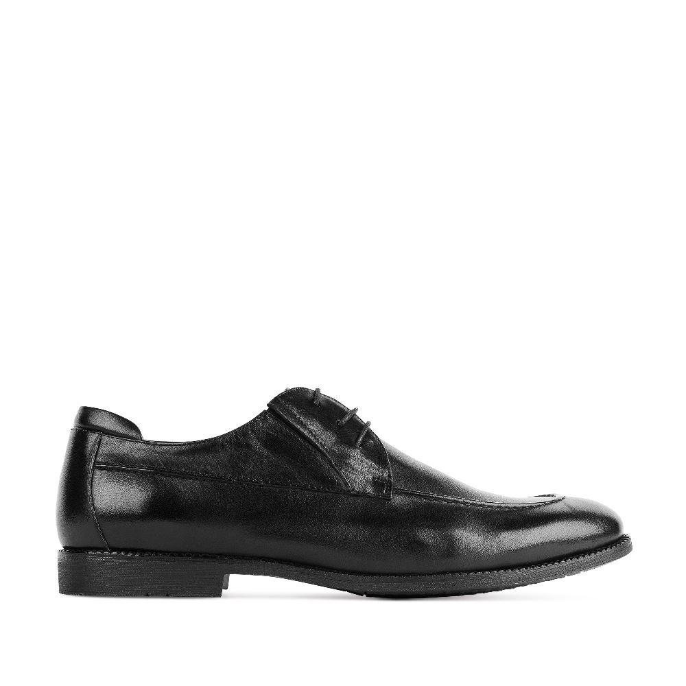 Ботинки на шнуровке черного цвета из кожиПолуботинки<br><br>Материал верха: Кожа<br>Материал подкладки: Кожа<br>Материал подошвы: Кожа<br>Цвет: Черный<br>Высота каблука: 2 см<br>Дизайн: Италия<br>Страна производства: Китай<br><br>Высота каблука: 2 см<br>Материал верха: Кожа<br>Материал подкладки: Кожа<br>Цвет: Черный<br>Пол: Мужской<br>Размер: 44