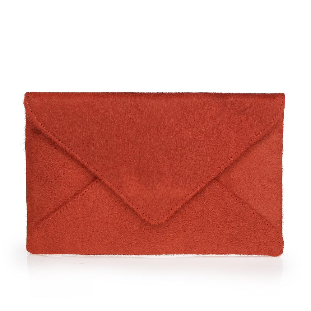 Клатч-конверт из меха пони кирпичного цвета