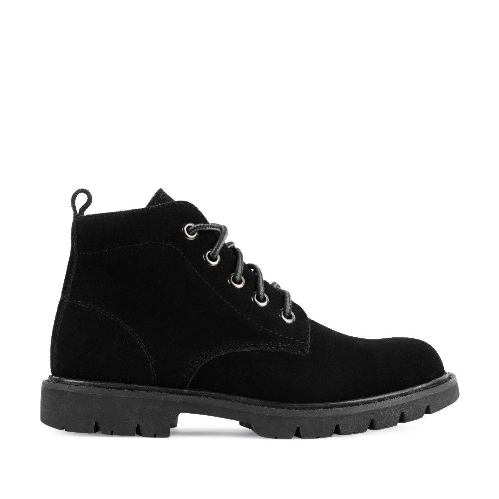 Ботинки из замши черного цвета на протекторной подошве