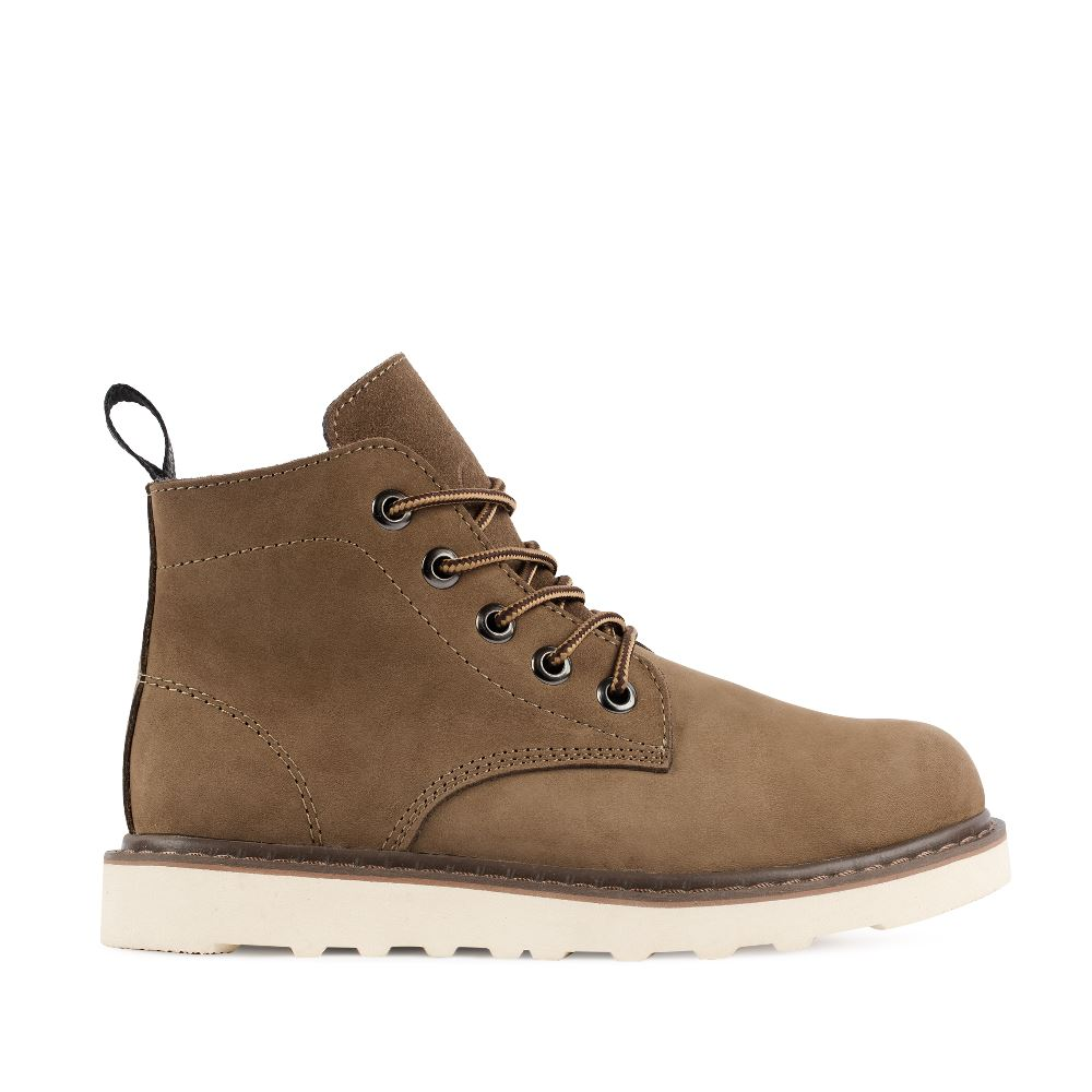 Ботинки из нубука коричневого цвета на протекторной подошве