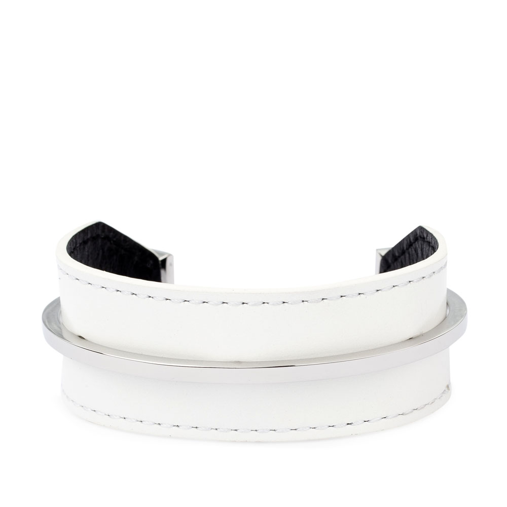 Минималистичный браслет из кожи белого цвета