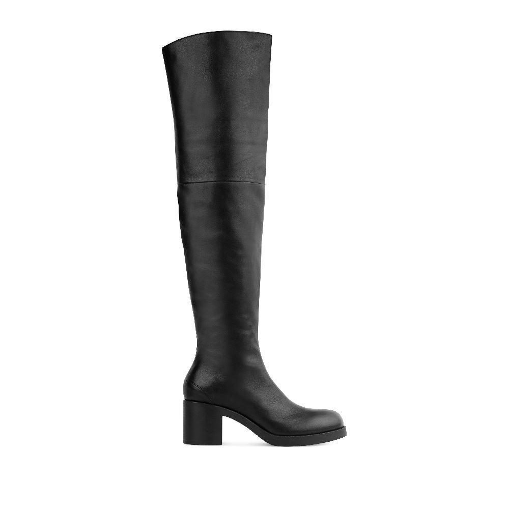Ботфорты из кожи черного цвета на устойчивом каблукеБотфорты<br><br>Материал верха: Кожа<br>Материал подкладки: Кожа<br>Материал подошвы: Полиуретан<br>Цвет: Черный<br>Высота каблука: 7 см<br>Дизайн: Италия<br>Страна производства: Россия<br><br>Высота каблука: 7 см<br>Материал верха: Кожа<br>Материал подкладки: Кожа<br>Цвет: Черный<br>Пол: Женский<br>Размер: 38