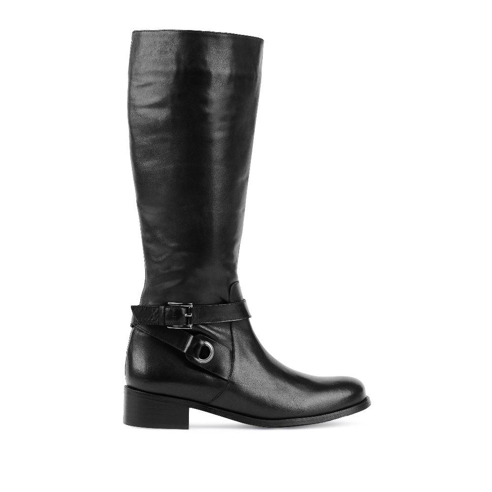 Кожаные сапоги чёрного цвета с ремешкамиСапоги<br><br>Материал верха: Кожа<br>Материал подкладки: Текстиль<br>Материал подошвы: Полиуретан<br>Цвет: Черный<br>Высота каблука: 3 см<br>Дизайн: Италия<br>Страна производства: Португалия<br><br>Высота каблука: 3 см<br>Материал верха: Кожа<br>Материал подошвы: Полиуретан<br>Материал подкладки: Текстиль<br>Цвет: Черный<br>Пол: Женский<br>Вес кг: 1800.00000000<br>Размер: 37