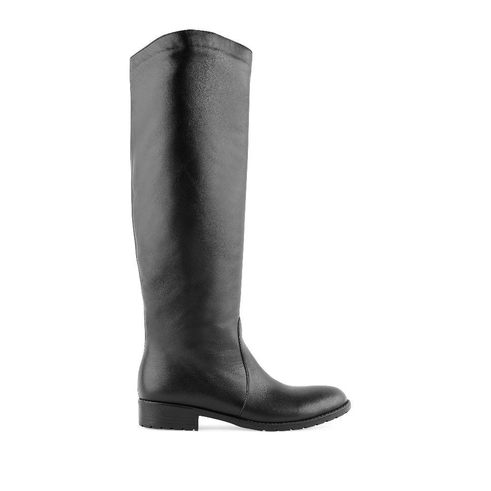 Кожаные сапоги с мехом черного цветаСапоги<br><br>Материал верха: Кожа<br>Материал подкладки: Мех<br>Материал подошвы: Полиуретан<br>Цвет: Черный<br>Высота каблука: 2 см<br>Дизайн: Италия<br>Страна производства: Россия<br><br>Высота каблука: 2 см<br>Материал верха: Кожа<br>Материал подкладки: Мех<br>Цвет: Черный<br>Пол: Женский<br>Размер: 38