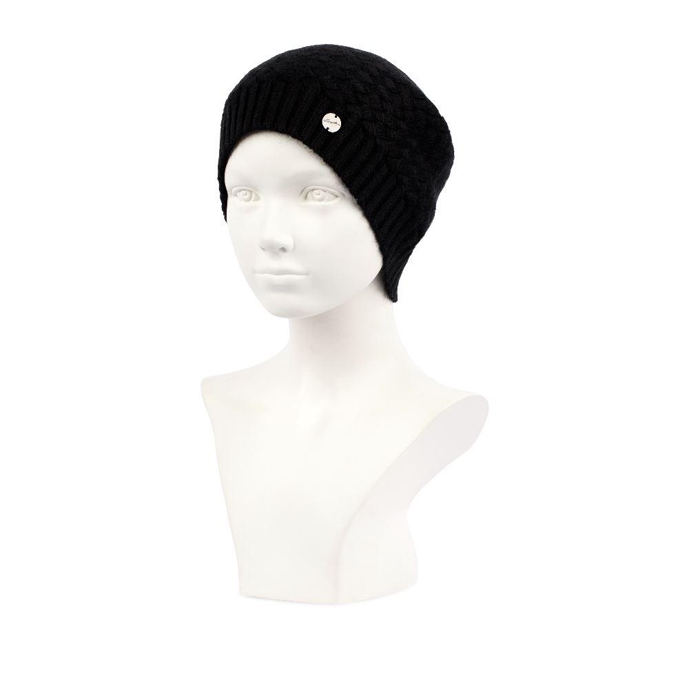 Шерстяная шапка черного цвета