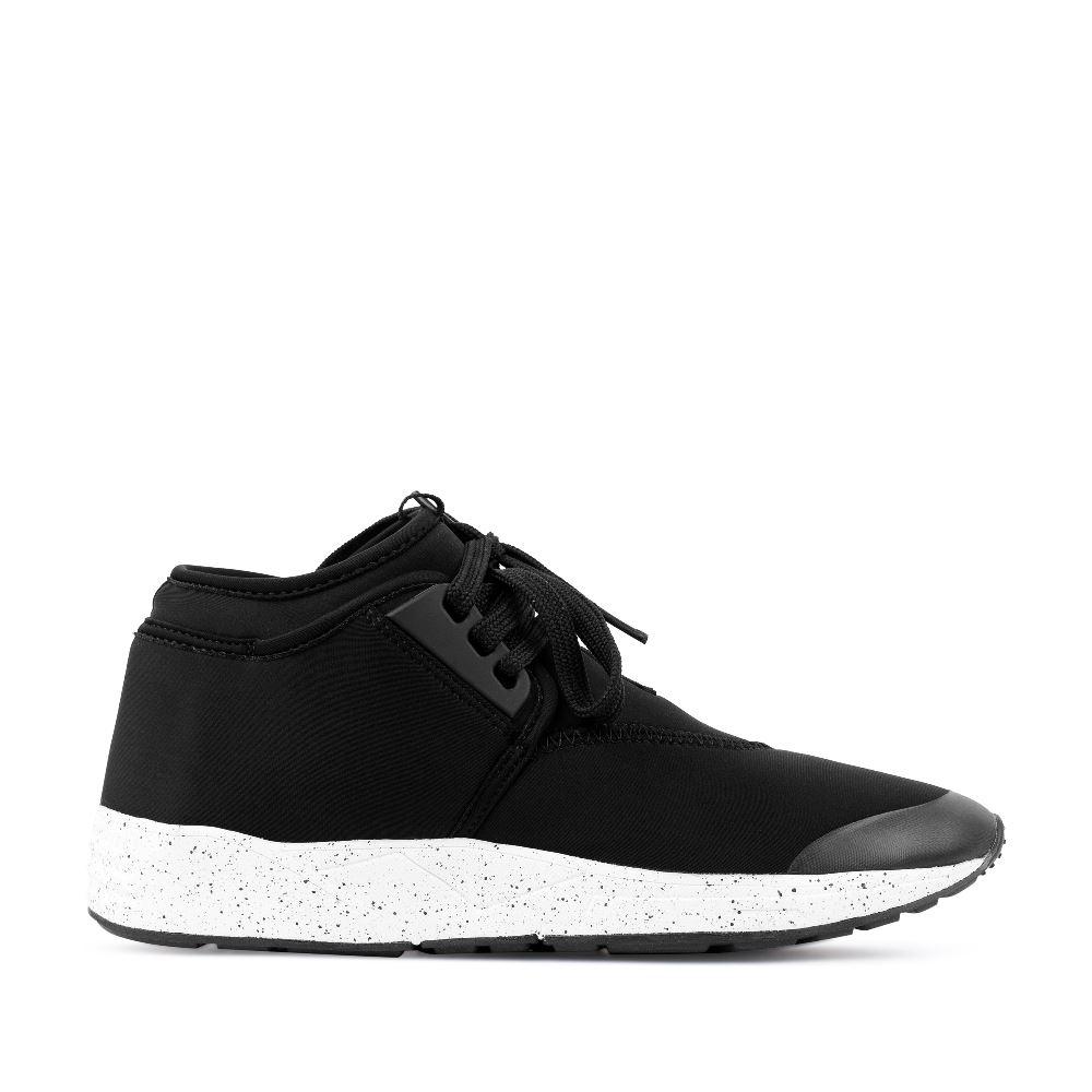 Кроссовки из неопрена черного цвета