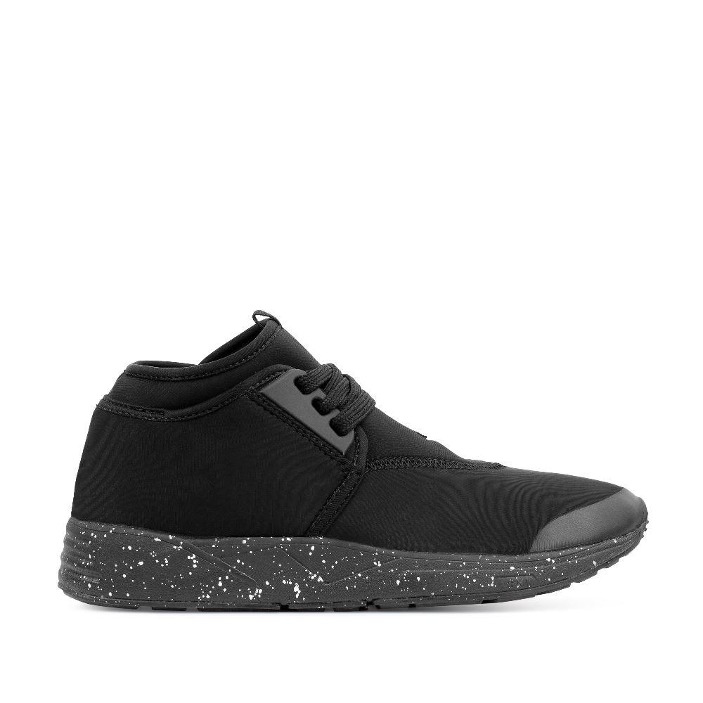 Кроссовки черного цвета из неопрена