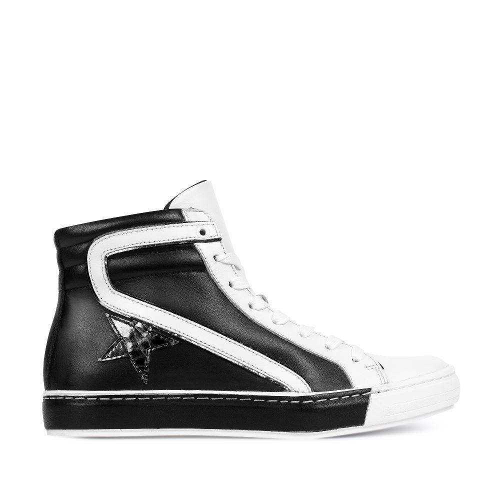 Кожаные высокие кеды чёрно-белого цветаКеды женские<br><br>Материал верха: Кожа<br>Материал подкладки: Кожа<br>Материал подошвы: Полиуретан<br>Цвет: Черный<br>Высота каблука: 0 см<br>Дизайн: Италия<br>Страна производства: Китай<br><br>Высота каблука: 0 см<br>Материал верха: Кожа<br>Материал подошвы: Полиуретан<br>Материал подкладки: Кожа<br>Цвет: Черный<br>Вес кг: 1.00000000<br>Размер обуви: 37**