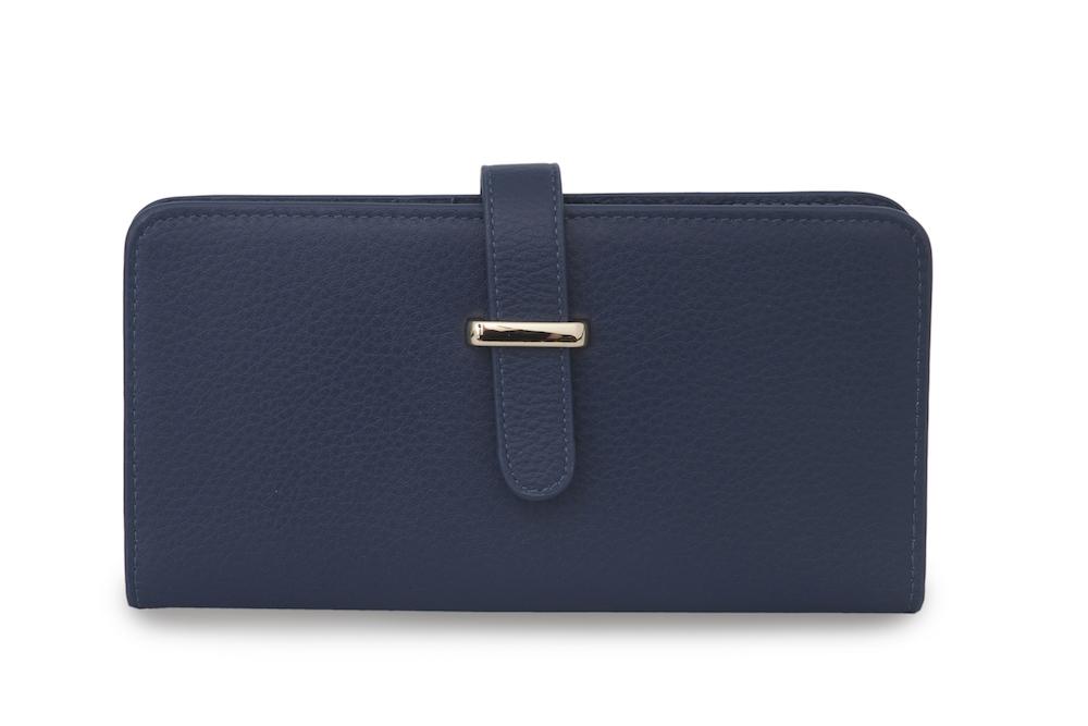 Кожаный кошелек темно-синего цветаКошелек<br><br>Материал верха: Кожа<br>Цвет: Синий<br>Дизайн: Италия<br>Страна производства: Китай<br><br>Материал верха: Кожа<br>Цвет: Синий<br>Пол: Женский<br>Размер: Без размера