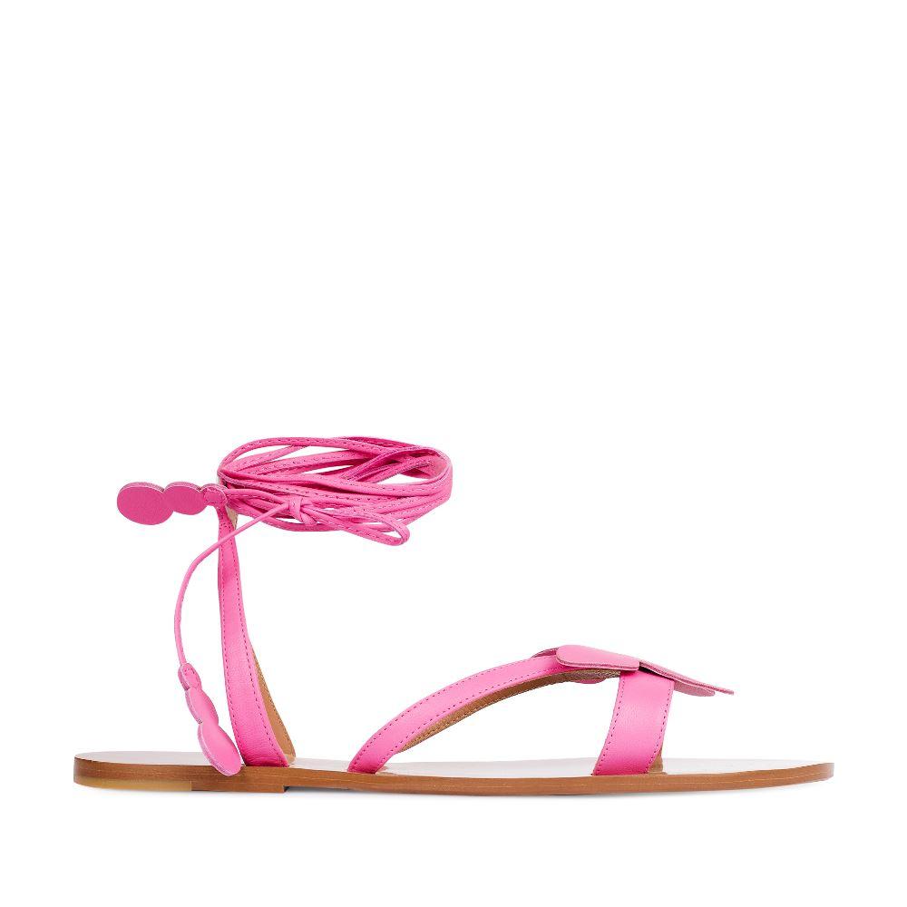 Сандалии из кожи розового цвета на завязкахСандалииженские<br><br>Материал верха: Кожа<br>Материал подкладки: Кожа<br>Материал подошвы: Тунит<br>Цвет: Розовый<br>Высота каблука: 1 см<br>Дизайн: Италия<br>Страна производства: Китай<br><br>Высота каблука: 1 см<br>Материал верха: Кожа<br>Материал подошвы: Тунит<br>Материал подкладки: Кожа<br>Цвет: Розовый<br>Вес кг: 1.00000000<br>Размер: 37.5