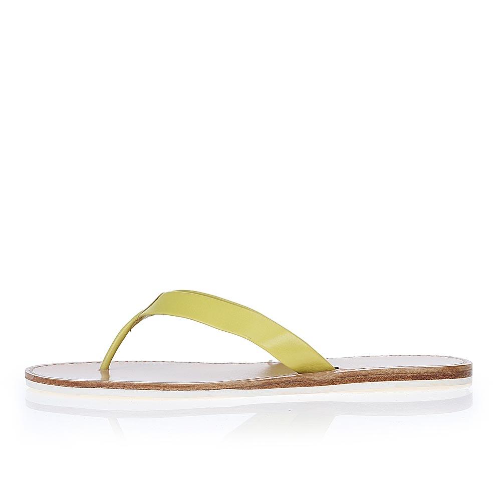 Кожаные пантолеты желтого цветаПантолеты женские<br><br>Материал верха: Кожа<br>Материал подкладки: Кожа<br>Материал подошвы: Полиуретан<br>Цвет: Желтый<br>Высота каблука: 0 см<br>Дизайн: Италия<br>Страна производства: Китай<br><br>Высота каблука: 0 см<br>Материал верха: Кожа<br>Материал подкладки: Кожа<br>Цвет: Желтый<br>Пол: Женский<br>Вес кг: 1.00000000<br>Размер: 38