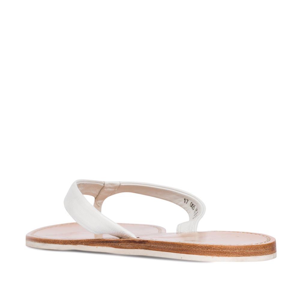 Женские сандалии CorsoComo (Корсо Комо) Пантолеты из кожи белого цвета
