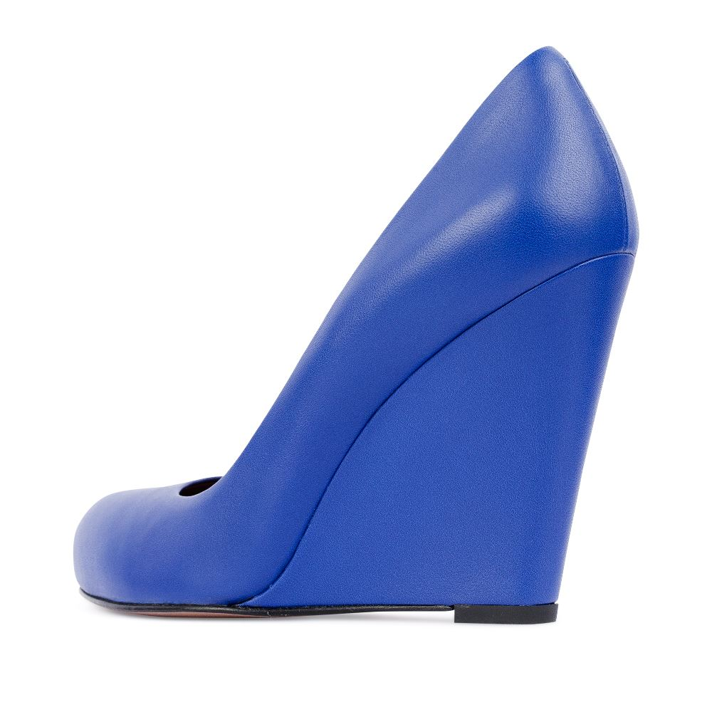 Женские туфли CorsoComo (Корсо Комо) Туфли из кожи кобальтового цвета на танкетке