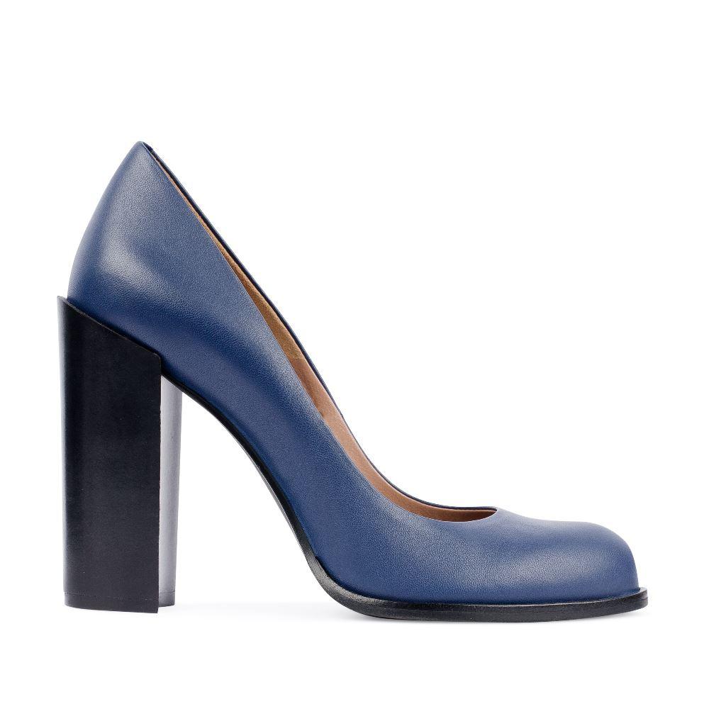 Туфли из кожи на устойчивом каблуке синего цвета