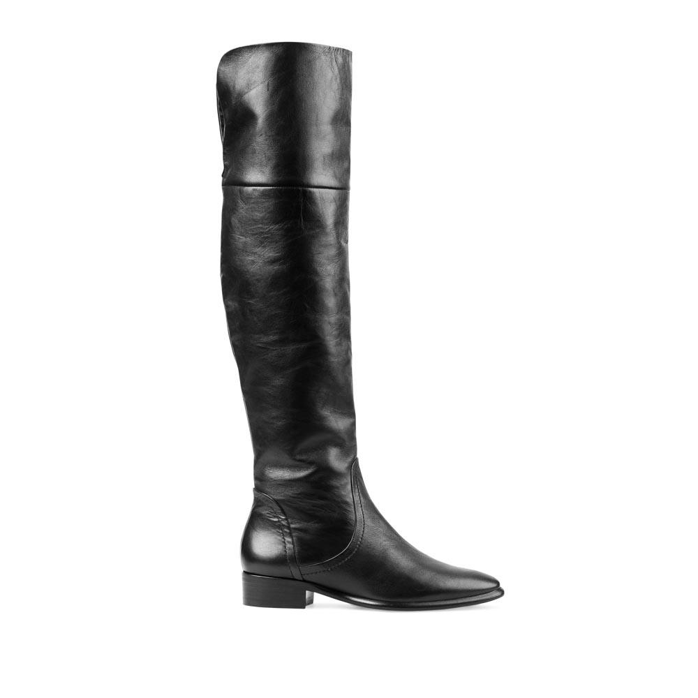 CORSOCOMO Кожаные ботфорты черного цвета на низком каблуке 17-162-04-15
