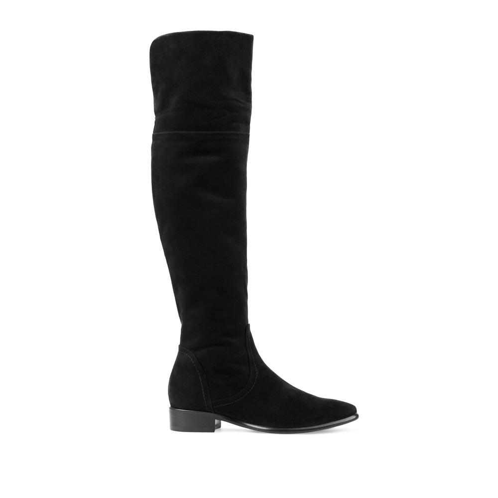 Ботфорты из замши черного цвета на низком каблукеСапоги женские<br><br>Материал верха: Замша<br>Материал подкладки: Кожа<br>Материал подошвы: Кожа + Резина<br>Цвет: Черный<br>Высота каблука: 3 см<br>Дизайн: Италия<br>Страна производства: Китай<br><br>Высота каблука: 3 см<br>Материал верха: Замша<br>Материал подкладки: Кожа<br>Цвет: Черный<br>Пол: Женский<br>Вес кг: 2.28000000<br>Размер обуви: 37.5**